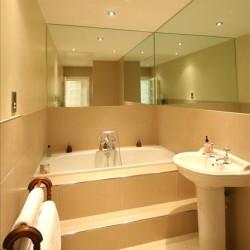 Cape Bathroom 2